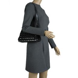 Chanel Black Chocolate Bar Patent Leather Kisslock Shoulder Bag 85169