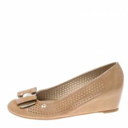 Stuart Weitzman Beige Patent Leather The Belle Perforated Detail Ballet Pumps Size 39 159797