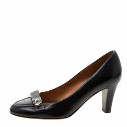Salvatore Ferragamo Black Leather Gancio Detail Pumps Size 36 206862