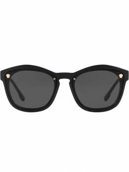 Versace Eyewear солнцезащитные очки в квадратной оправе VE4350GB187
