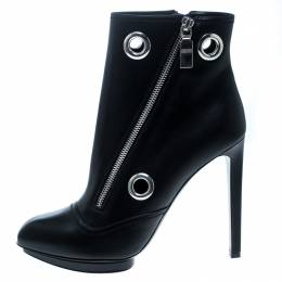 Alexander McQueen Black Leather Eyelet Detail Ankle Boots Size 40 165602