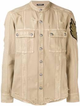 Balmain рубашка с нашивкой и эффектом потертости W8H1011T362B