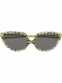 Mykita солнцезащитные очки в оправе 'кошачий глаз' SOSGREENLEAOPARD