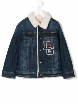 Dolce & Gabbana Kids джинсовая куртка с нашивкой логотипа L41B71LD737