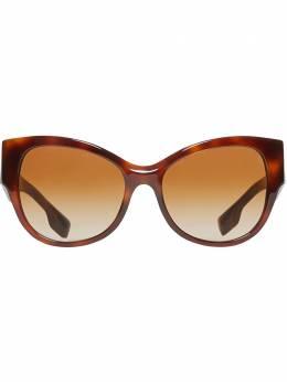 Burberry солнцезащитные очки в оправе 'бабочка' 4080612