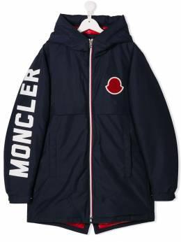 Moncler Kids куртка с нашивкой-логотипом 423600554A6F
