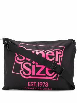 Calvin Klein Jeans Est. 1978 сумка на плечо Supersize J90J900122