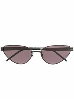 Saint Laurent Eyewear солнцезащитные очки в оправе 'кошачий глаз' 588031Y9948