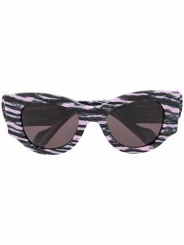 Balenciaga Eyewear солнцезащитные очки в оправе 'кошачий глаз' с принтом BB0070S