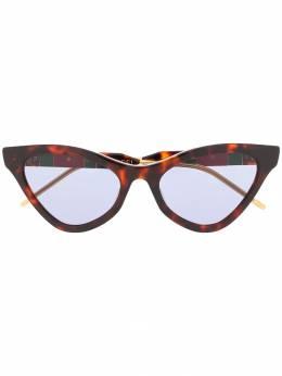 Gucci Eyewear солнцезащитные очки в оправе 'кошачий глаз' 596092J0740