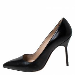 Manolo Blahnik Black Leather BB Pointed Toe Pumps Size 37 234945