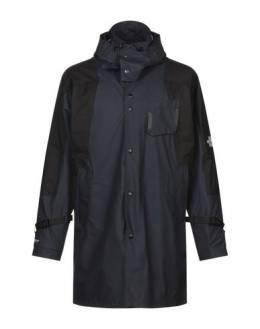 Легкое пальто The North Face 41930908SI