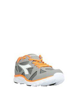 Низкие кеды и кроссовки Diadora 11788248CD