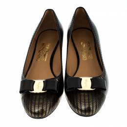 Salvatore Ferragamo Black Leather Vara Bow Pumps Size 40 229297