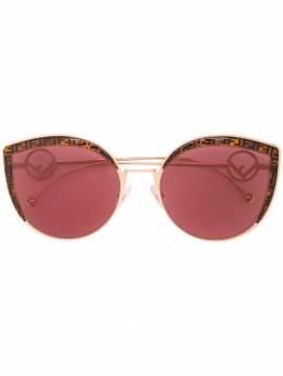 Fendi Eyewear солнцезащитные очки F is Fendi в оправе 'кошачий глаз' FF0290S
