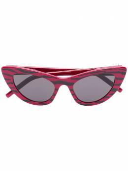 Saint Laurent Eyewear солнцезащитные очки в оправе 'кошачий глаз' SL213LI