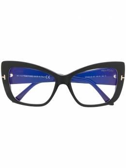 Tom Ford Eyewear очки в массивной оправе TF5602B