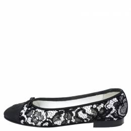 Chanel Black/White Lace And Grosgrain Cap Toe CC Bow Ballet Flats Size 39 253929