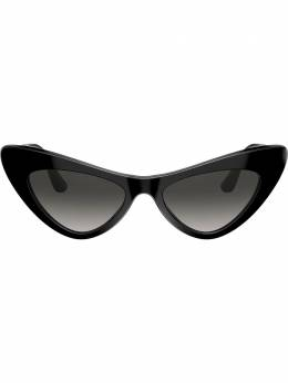 Dolce&Gabbana Eyewear солнцезащитные очки в оправе 'кошачий глаз' DG43685018G