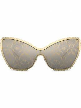 Dolce&Gabbana Eyewear солнцезащитные очки в оправе 'кошачий глаз' с узором Baroque DG224002O2