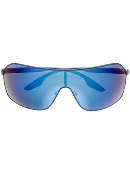 Prada Eyewear солнцезащитные очки в массивной оправе PS53VS