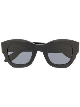 Givenchy Eyewear солнцезащитные очки в оправе 'кошачий глаз' GV7060S