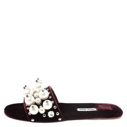 Miu Miu Burgundy Velvet Faux Pearl Embellished Flat Sandals Size 35.5 264880