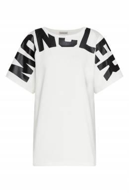 Белая футболка с крупным черным логотипом Moncler 34186490