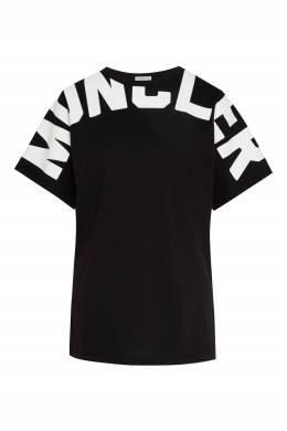 Черная футболка с крупным белым логотипом Moncler 34186489