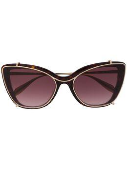 Alexander McQueen Eyewear солнцезащитные очки в оправе 'кошачий глаз' черепаховой расцветки 611091J0740