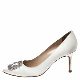 Manolo Blahnik Ivory Satin Hangisi Crystal Embellished Pumps Size 40 272516