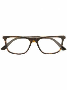 Gucci Eyewear солнцезащитные очки черепаховой расцветки GG0691O002