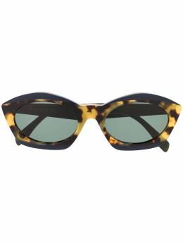 Marni Eyewear солнцезащитные очки в оправе 'кошачий глаз' черепаховой расцветки ME647S