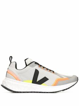 Veja кроссовки с логотипом CD012117