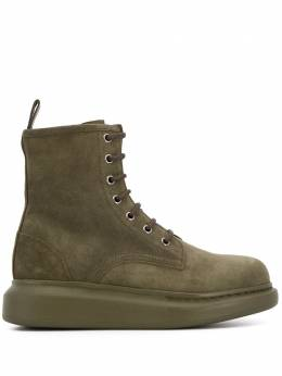 Alexander McQueen массивные ботинки на шнуровке 586394WHXK0