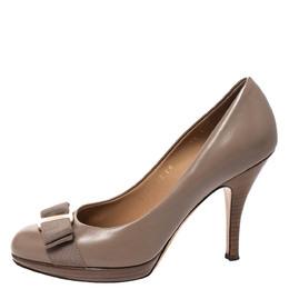 Salvatore Ferragamo Grey Leather Vara Bow Round Toe Platform Pumps Size 36 277280