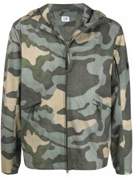 C.P. Company спортивная куртка с камуфляжным принтом 08CMOW192A005744A