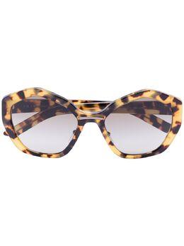 Prada Eyewear солнцезащитные очки с затемненными линзами 0PR08XS7S05O255