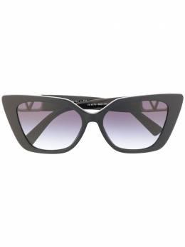 Valentino Eyewear солнцезащитные очки в оправе 'кошачий глаз' 0VA4073AC