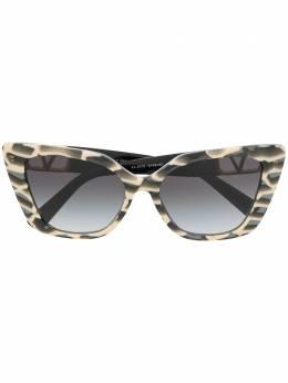 Valentino Eyewear солнцезащитные очки с логотипом VLogo VA407351498G