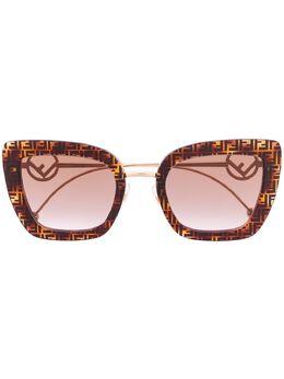 Fendi Eyewear солнцезащитные очки в массивной оправе с логотипом 20329208651QR