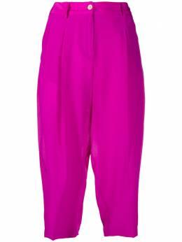 Jejia укороченные брюки со складками P6205028