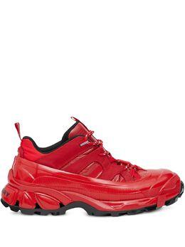 Burberry кроссовки на массивной подошве 8020091