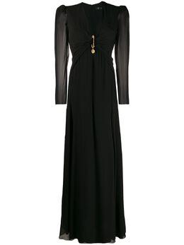 Versace длинное платье с драпировкой и декоративной булавкой A85953A230781