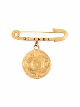 Chanel Pre-Owned брошь с логотипом CC B94P