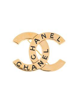 Chanel Pre-Owned брошь 1998-го года с логотипом CC B98P