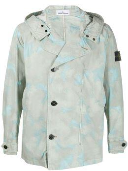 Stone Island куртка с капюшоном и камуфляжным принтом MO7215420E2