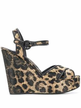 Dolce&Gabbana босоножки на танкетке с леопардовым принтом CZ0227AX376