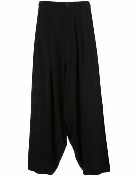 Yohji Yamamoto брюки с принтом из коллаборации с New Era HNP64236