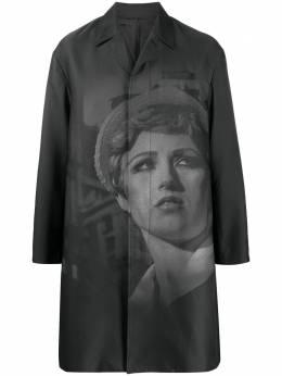 Undercover пальто с фотопринтом UCY43011